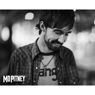 8x10 Black & White Mo Pitney Photo