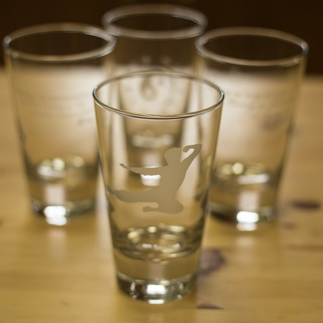Bruce Lee Etched Pint Glasses (Set of 4)