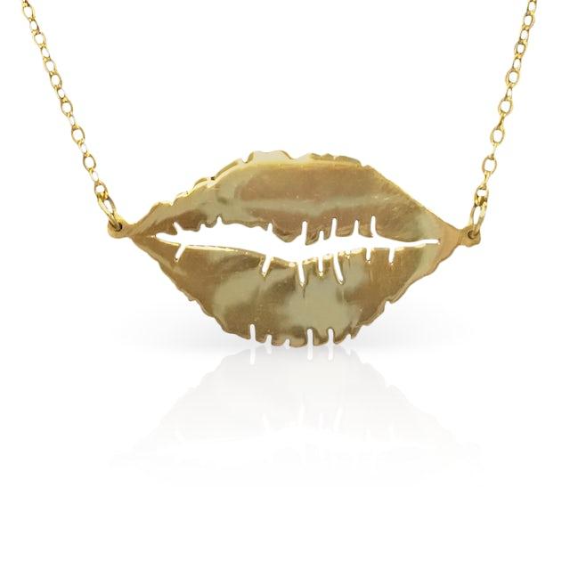 lovelytheband Lips Necklace