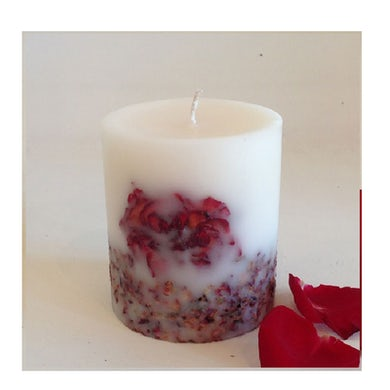 """Liddy Clark """"Wrapped up in Roses"""" Heavenly Scented Rose Candle"""